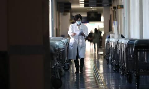 Ρεπορτάζ Newsbomb.gr: «Ασφυξία» στα νοσοκομεία της Αθήνας - «126 ασθενείς περιμένουν για ΜΕΘ»
