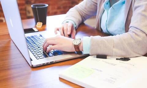 ΟΑΕΔ - Ψηφιακό μάρκετινγκ: Πότε ξεκινούν οι αιτήσεις για το πρόγραμμα