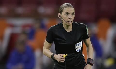 Μουντιάλ 2022: Έγραψε και πάλι ιστορία η Φραπάρ – Η πρώτη γυναίκα διαιτητής που...