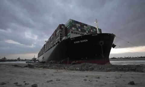 Διώρυγα Σουέζ: Έπιπλα, πρόβατα και πετρέλαιο σε 369 πλοία περιμένουν τη σειρά τους