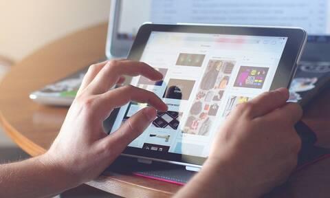 Voucher 200 ευρώ για laptop και tablet: Πότε ξεκινούν οι αιτήσεις των δικαιούχων - Οι αλλαγές