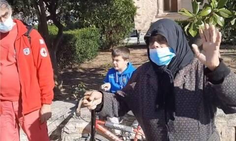 Ηράκλειο: Όλο το χωριό στο πόδι για την κυρία Στέλλα! (vid)