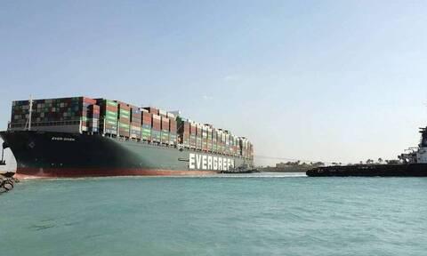 Διώρυγα Σουέζ: Μάχη για να μην κολλήσει σε ξέρα το Ever Given - Πότε θα αποκατασταθεί η κυκλοφορία