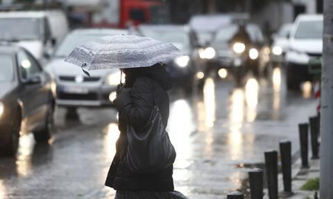 Καιρός: Κακοκαιρία εξπρές προ των πυλών - Πτώση της θερμοκρασίας, καταιγίδες και χιόνια (ΧΑΡΤΕΣ)