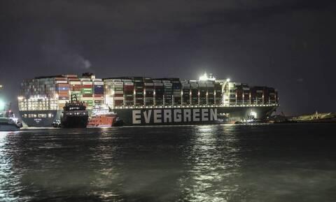Διώρυγα του Σουέζ: Ξεκινάει η διέλευση των πλοίων από τις δύο εισόδους
