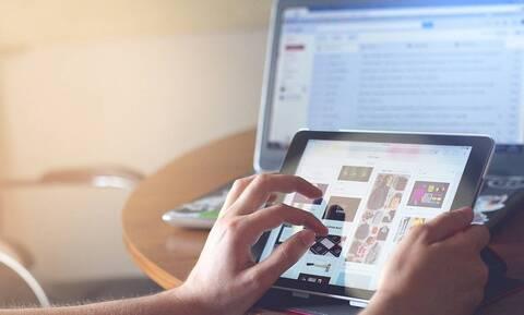 Voucher 200 ευρώ για laptop και tablet: Πότε θα δοθούν τα χρήματα στους δικαιούχους
