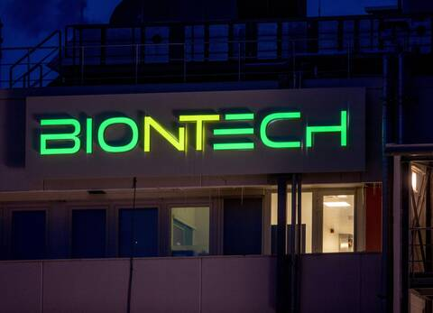 BioNTech: Παραγωγή 2,5 δισ. δόσεων εμβολίου το 2021