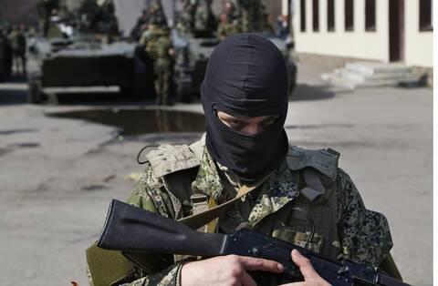 Απειλητική αύξηση ρωσικών στρατευμάτων στα σύνορα καταγγέλλει η Ουκρανία