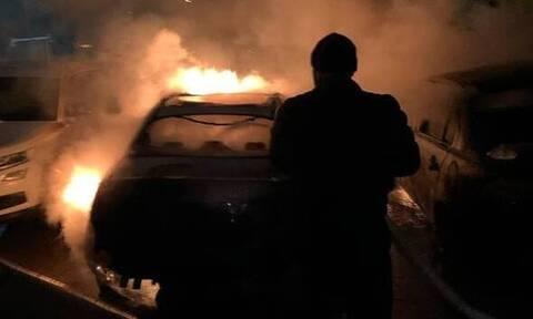 Ανατίναξαν αυτοκίνητο δημοσιογράφου – Όσα κατέγραψε η κάμερα ασφαλείας (photos+video)