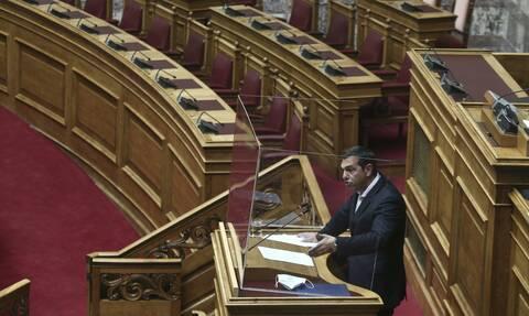 Έξαλλος ο Τσίπρας για την απουσία υπουργών στη Βουλή: Με το ζόρι γεμίζετε ταξί