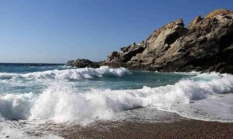 Απίστευτη ανακάλυψη: Δείτε τι βρήκαν σε παραλία (pics)