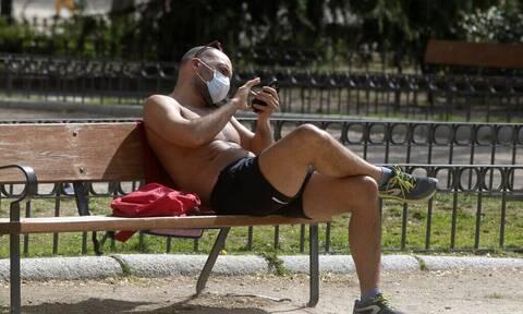 Κορονοϊός - Ισπανία: Υποχρεωτική χρήση μάσκας ακόμα και σε απόσταση σε παραλίες και πάρκα