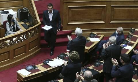 Συσπειρώνεται ο ΣΥΡΙΖΑ: «Αποδομήθηκε πλήρως το αστείο κατηγορητήριο για Παππά»