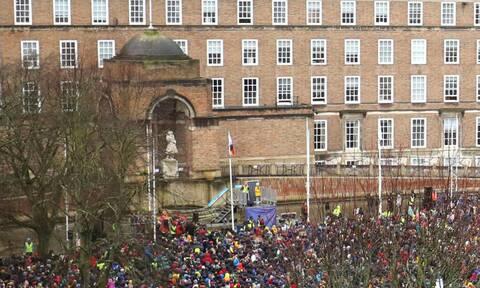 Βρετανία: Ένα άγαλμα αφιερωμένο στη Γκρέτα Τούνμπεργκ προκαλεί διαμάχη σε βρετανικό πανεπιστήμιο
