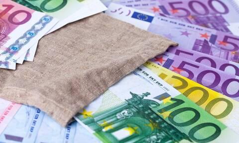 ΟΠΕΚΑ: Σήμερα (31/3) η πληρωμή επιδομάτων ύψους 338 εκατ. ευρώ σε 1,5 εκατ. δικαιούχους