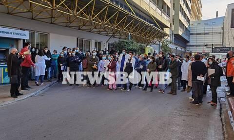 Ρεπορτάζ Newsbomb.gr: Διαμαρτυρία εργαζομένων σε Ευαγγελισμό και Άγιο Σάββα - Γεμάτες οι ΜΕΘ