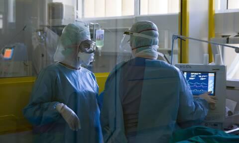 Ρεπορτάζ Newsbomb.gr: «Πόλεμος» στα νοσοκομεία πριν το άνοιγμα - 230 εισαγωγές σε μία νύχτα