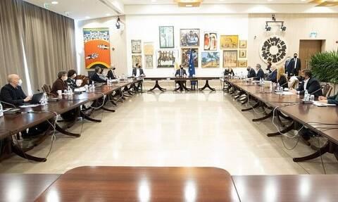 Κορονοϊός στην Κύπρο: Οι νέες χαλαρώσεις που θα ισχύουν από 1 Απριλίου (vid)