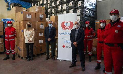 Ο ΣΦΕΕ στηρίζει την κοινωνία μαζί με τον Ελληνικό Ερυθρό Σταυρό στη μάχη κατά της πανδημίας