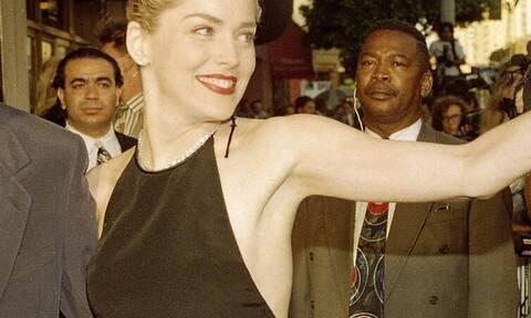 Η Sharon Stone σοκάρει με τις αποκαλύψεις για τα εμφυτεύματα στο στήθος: Το πριν και το μετά