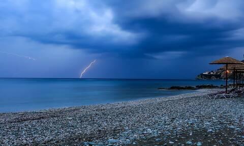 Καιρός: Πρωταπριλιά με βροχές και καταιγίδες - Πότε θα φτάσει τους 25 βαθμούς η θερμοκρασία