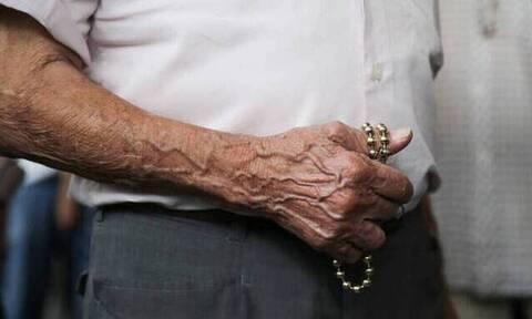 Πώς θα δοθούν τα αναδρομικά σε συνταξιούχους με πάνω από 30 έτη ασφάλισης