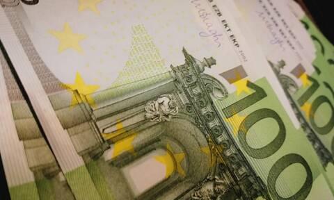 Επίδομα 400 ευρώ: Διευρύνονται οι δικαιούχοι - Πότε θα πληρωθούν