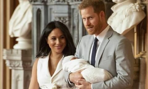 Κατακραυγή για τη royal που σχολίασε ντροπιαστικά τον γιο της Μέγκαν