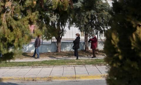 Κορoνοϊός – Θεσσαλονίκη: Πληρότητα στη ΜΕΘ – 134 ασθενείς σε απλές κλίνες στο «Παπαγεωργίου»