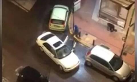 Βίντεο ντοκουμέντο: Καρέ - καρέ το άδειασμα κοσμηματοπωλείου στον Βύρωνα