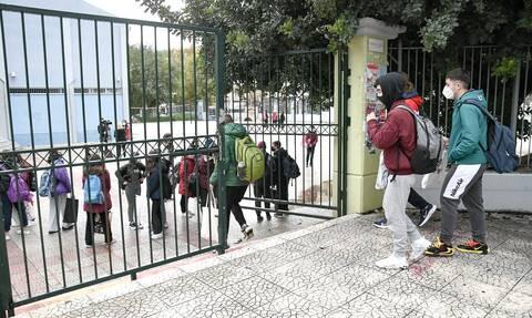 Σκέρτσος: Προτεραιότητα το άνοιγμα των σχολείων – Τι είπε για την εστίαση