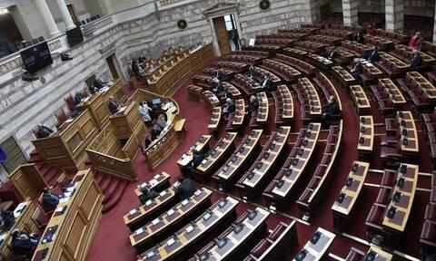 Συζήτηση στην ολομέλεια της Βουλής για την πανδημία