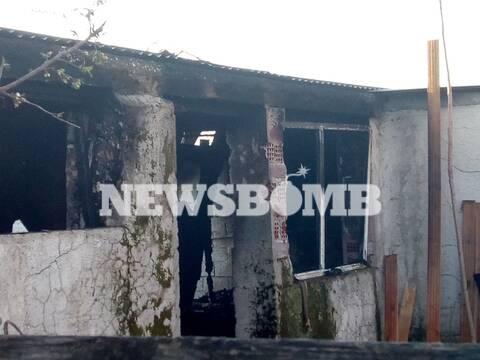 Βίντεο ντοκουμέντο του Newsbomb.gr: Φωτιά - μυστήριο στο Μενίδι έβαλε σε κίνδυνο οικογένειες