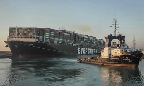 Περνούν τη Διώρυγα του Σουέζ τα τελευταία πλοία που είχαν αποκλειστεί λόγω του Ever Given