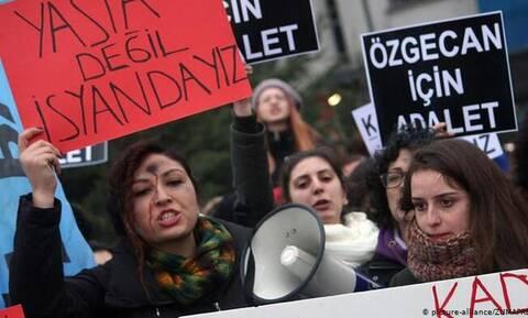 Τουρκία: Ποια ανθρώπινα δικαιώματα; Φρίκη από την κακοποίηση γυναικών στη χώρα