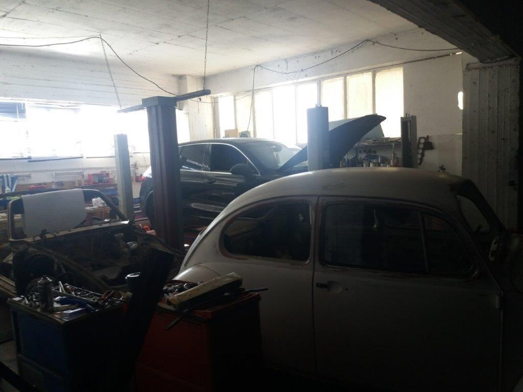 Χειροπέδες σε γνωστό έμπορο αυτοκινήτων των VIP στα Βόρεια Προάστια: Η απάτη με την Bentley[photos]