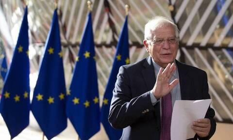 «Μεγάλη ανησυχία» από την ΕΕ για τη ρωσική στρατιωτική δραστηριότητα κοντά στα σύνορα με Ουκρανία