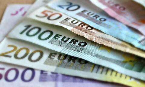 Δώρο Πάσχα 2021: Πότε πληρώνεται και πώς υπολογίζεται - Δείτε ΕΔΩ πόσα χρήματα θα πάρετε