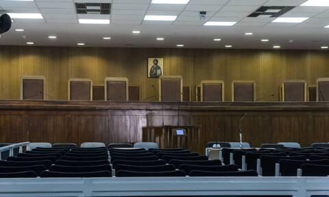 Ένωση Δικαστών και Εισαγγελέων: Επικίνδυνο το «άνοιγμα» δικαστηρίων