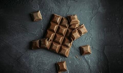 Top10: Δέκα ευεργετικές τροφές που «απογειώνουν» τη διάθεσή μας