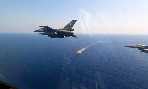 ΤΩΡΑ: «Εισβολή» τουρκικών μαχητικών στο Αιγαίο - Υπερπτήσεις σε Οινούσσες και Παναγιά