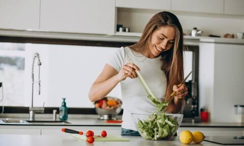 Σύγχρονες συνήθειες διατροφής: Πώς η παραμονή στο σπίτι επηρέασε το πρόγραμμά μας