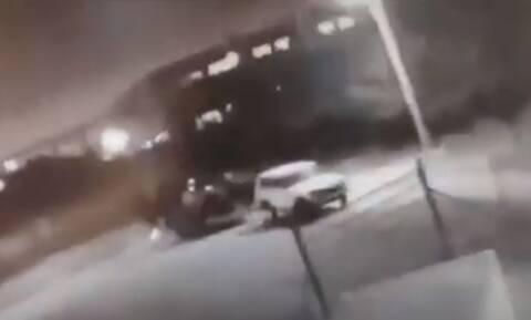 Ρεπορτάζ Newsbomb.gr: Τα βίντεο που «καίνε» το κύκλωμα του γνωστού εμπόρου «super car» της Κηφισιάς