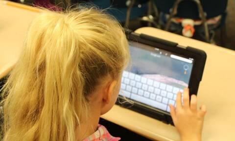 Voucher 200 ευρώ για tablet και laptop: Ποιοι είναι οι δικαιούχοι - Πώς θα κάνετε την αίτηση