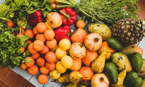 Αυτά είναι τα πιο ψεκασμένα τρόφιμα για το 2021: Το πρώτο δεν θα σε ξαφνιάσει!