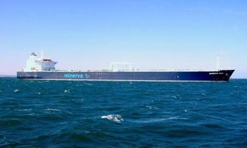 Νέες καθυστερήσεις στη Διώρυγα του Σουέζ: Μπλόκαρε πλοίο με ελληνική σημαία