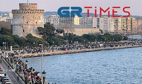 Παραλία Θεσσαλονίκης: Η κοσμοσυρροή έφερε… 600 σακούλες σκουπιδιών