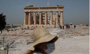 Греция назвала сроки снятия ограничений для российских туристов