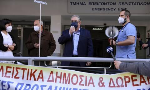 Κουτσούμπας: Δεν χρειάζονται υποκριτικά χειροκροτήματα, αλλά μέτρα για να ανασάνουν τα νοσοκομεία