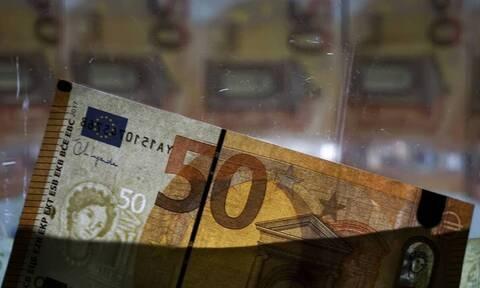 Μπαράζ πληρωμών για συντάξεις, επιδόματα και αναδρομικά